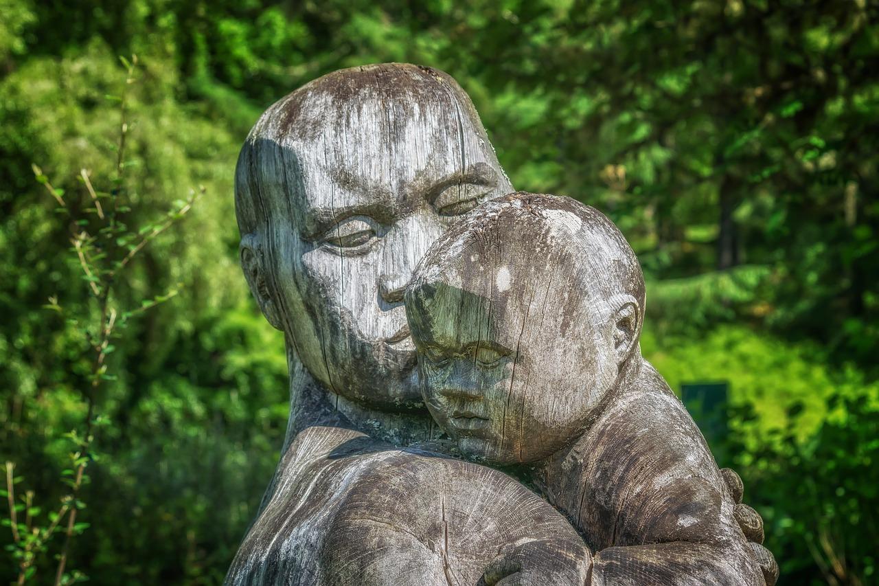 jak reagować na dziecięce emocje