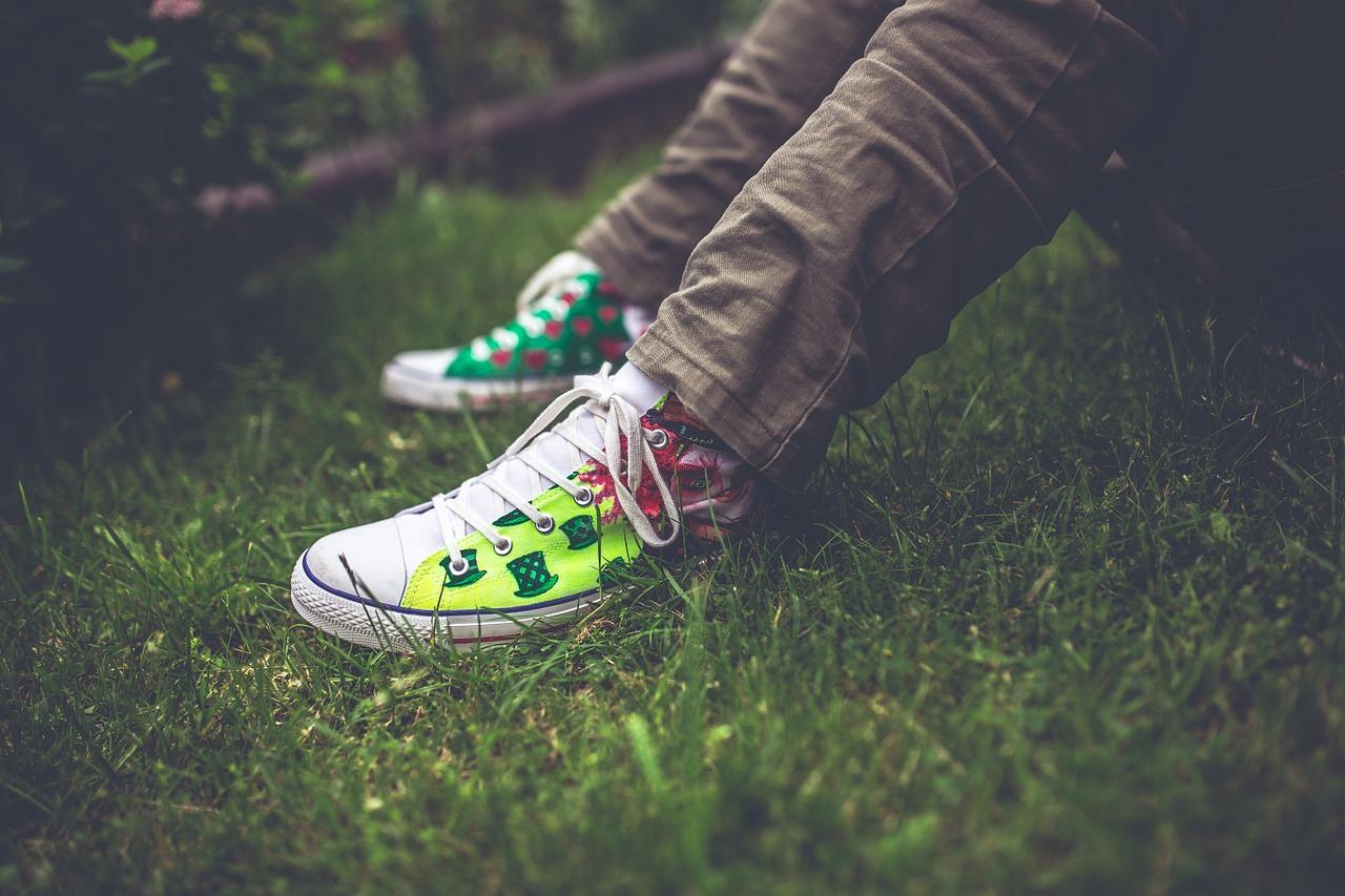 Bądź przy mnie i zostaw mnie w spokoju – czego potrzebuje nastolatek?